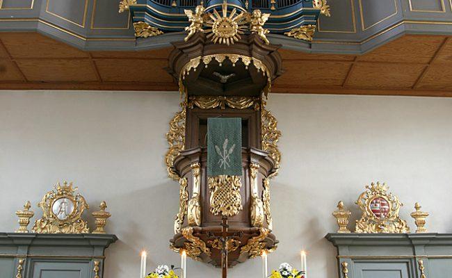 Schlosskirche Bad König, Innenansicht